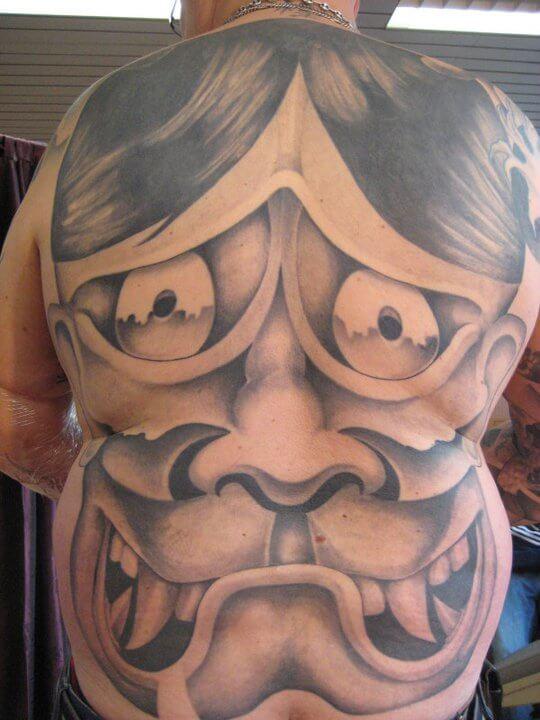 tattoo_maske_ruecken_