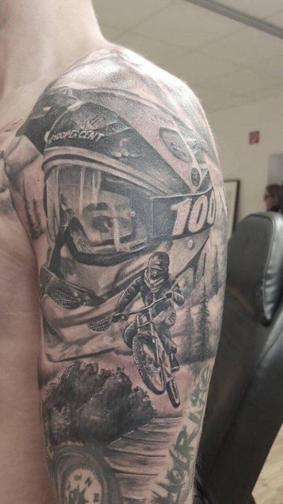 Down Hill Tattoo auf dem Arm Siggi Wild Spirit