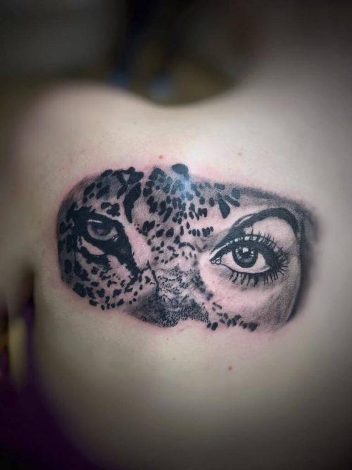 Frau Leopard Tattoo auf dem Rücken Wild Spirit