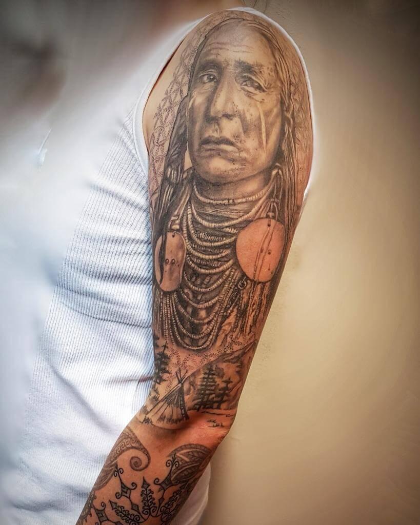 Indianer Tattoo auf dem Arm von Susann Wild Spirit