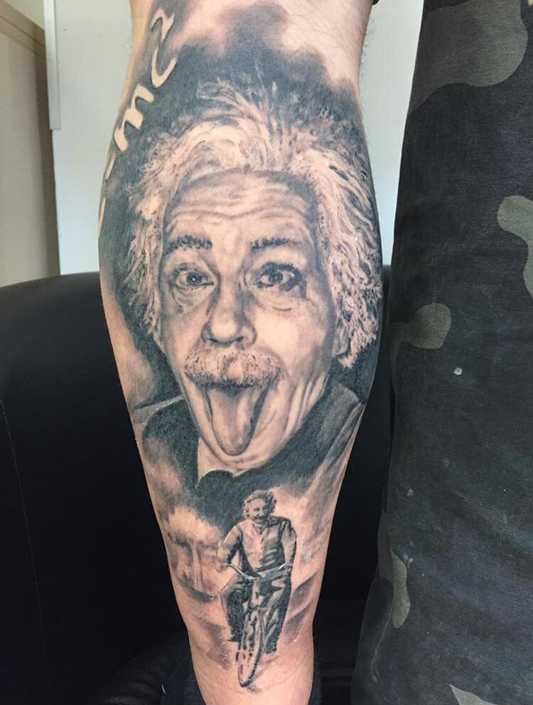 Tattoo von Albert Einstein Wild Spirit Tattoo Hameln