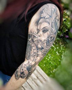 fantasytattoo auf dem oberarm Wild spirit tattoo